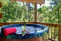 HOT TUB at 2 PEAS IN A POD   in Sevier County TN