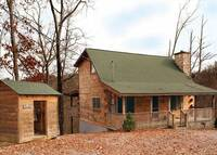 EXTERIOR at COVE CREEK LODGE in Pigeon Forge TN