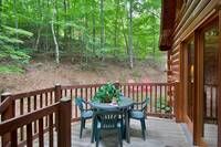 OUTDOOR DINING at BEAR TOP HIDEAWAY in Pigeon Forge TN