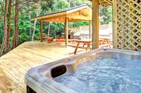 HOT TUB at ALL-AMERICAN in Gatlinburg TN