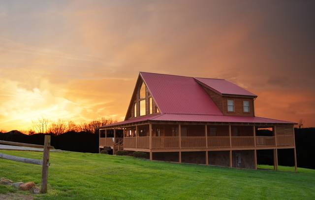 Big sky bear camp cabin rentals for Gatlinburg cabins with fishing access