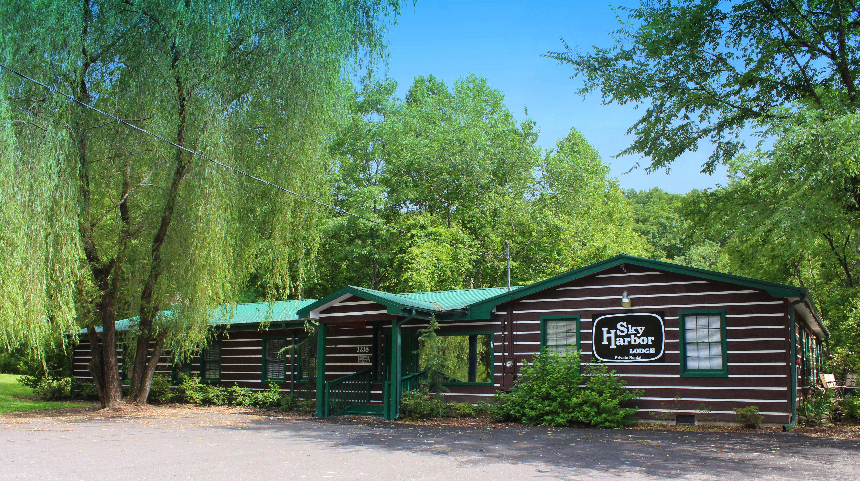 camp bedroom me a tennessee rentals cabin goodnight kiss cabins find gatlinburg always bear