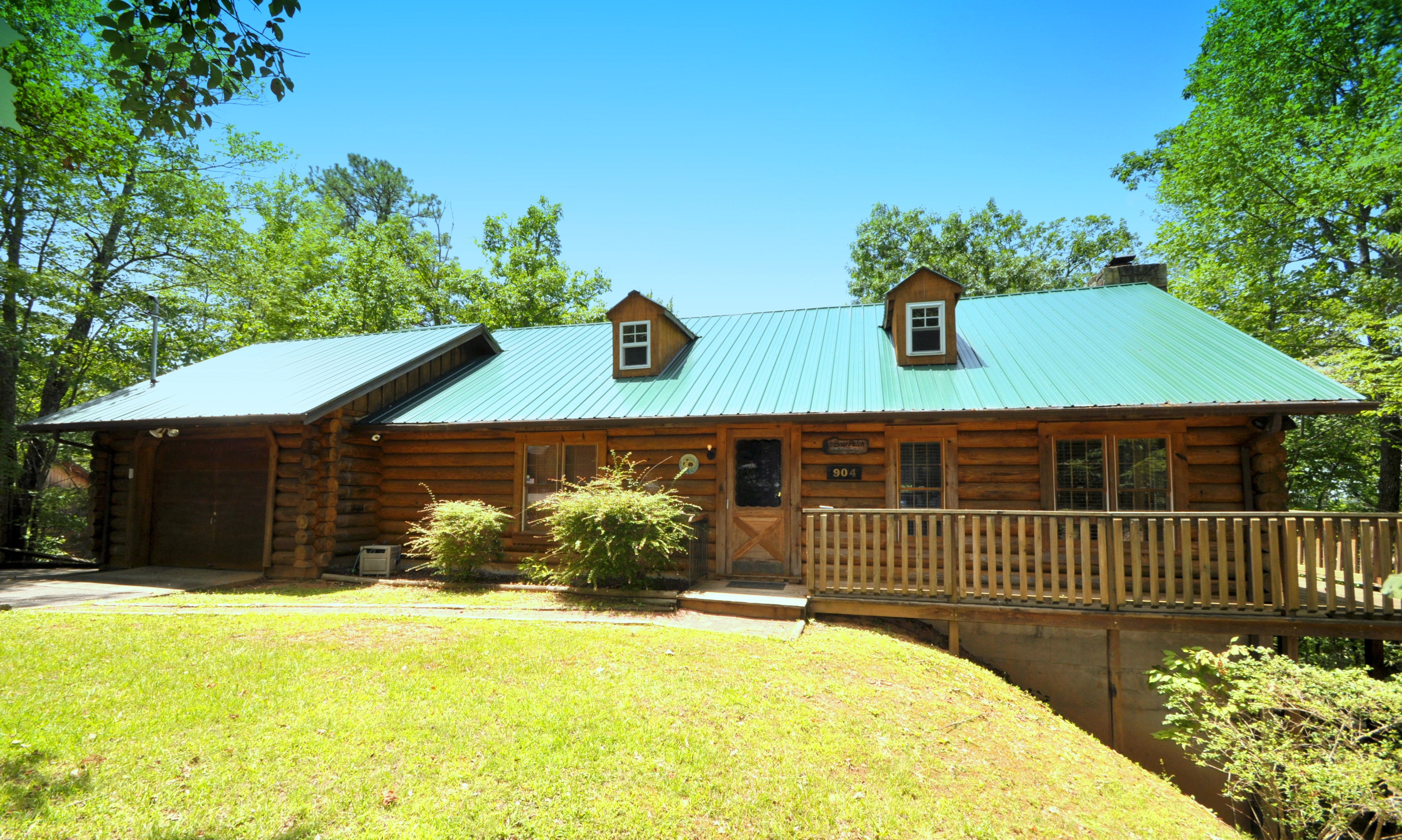 3 Bedroom Cabins - Bear Camp Cabin Rentals.