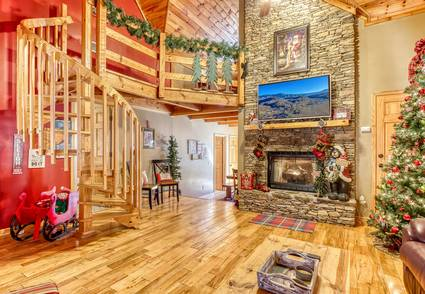 Santa's Lakehouse (New Listing)
