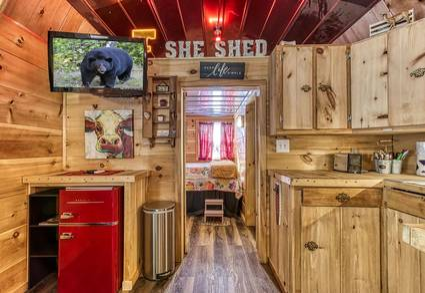 The Tiny Barn (New Listing)