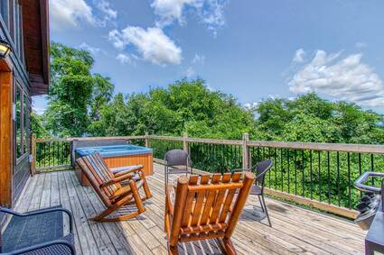 City View Chalet (New Listing)