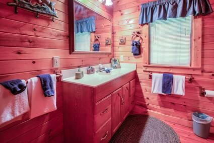 Magnificent Log Cabin Living Room Ideas Embellishment - Living Room ...