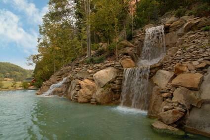 Bear Creek Falls Retreat (New Listing)