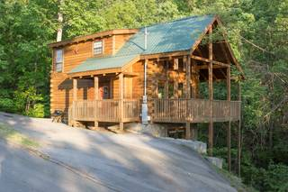 Nature's Nest 2 Bedroom Cabin Rental
