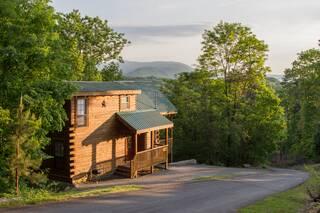 Nature's Nest 2 Bedroom Cabin Rental