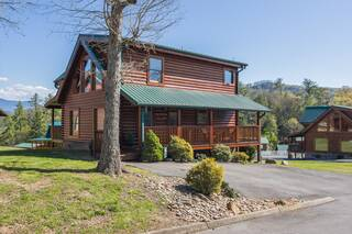 A Stone's Throw 2 Bedroom Cabin Rental