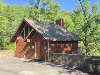 Wilderness Retreat 2 Bedroom Cabin Rental