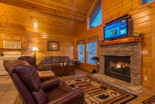 Wilderness Retreat 2 Bedroom Cabin Rental