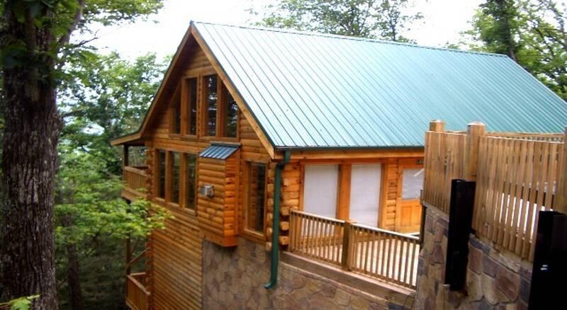Alone at Last Gatlinburg cabin | Diamond Mountain Rentals