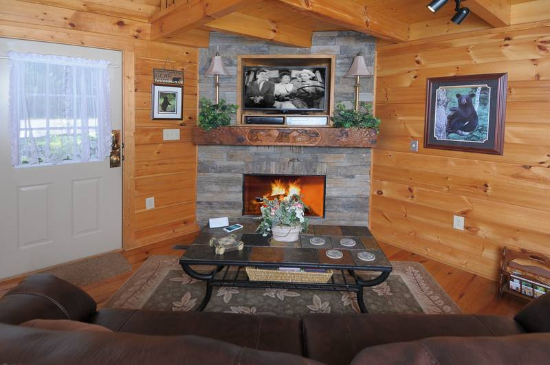 Nestled Inn 2 Bedroom Cabin In Gatlinburg Diamond