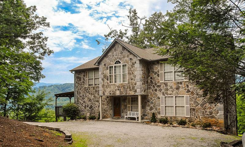 Cornerstone Gatlinburg cabin | Diamond Mountain Rentals