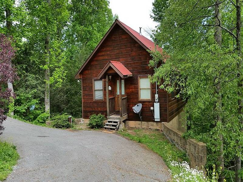 Black Bear Cove Cabin in Gatlinburg TN  Black Bear Cove  1 Bedroom. Gatlinburg Cabins Rentals One Bedroom   Diamond Rentals