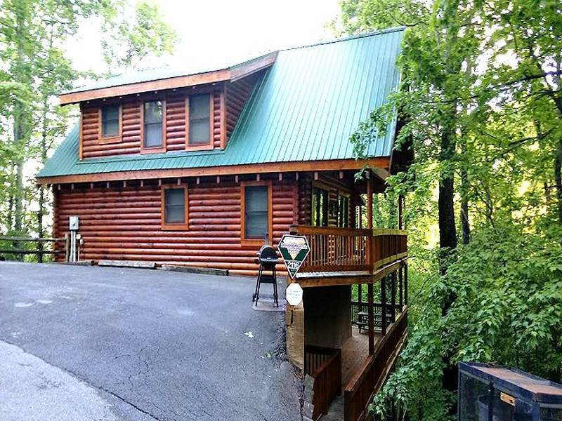 forge pigeon gatlinburg afternoon tn cabin delight sevierville rental cabins bedroom in
