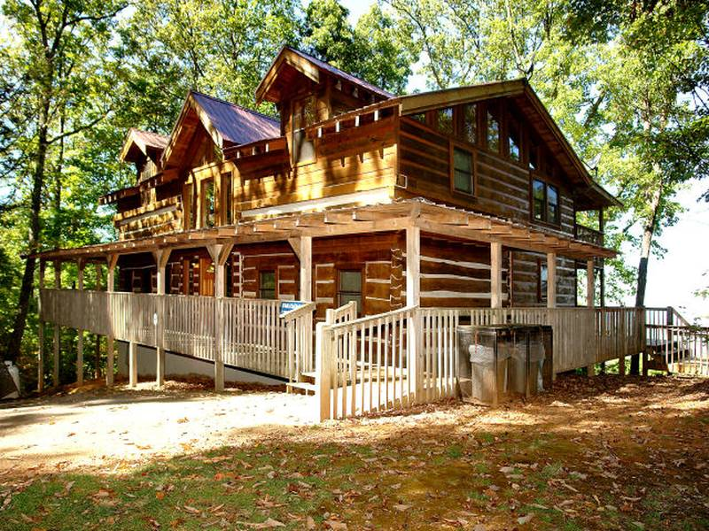 Four Bedroom Gatlinburg Cabins | Diamond Mountain Rentals