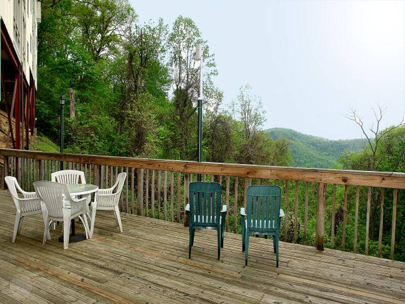 2 Br Cabins Near Ober Gatlinburg Diamond Rentals