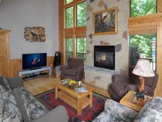 Lazy Bear Gatlinburg Cabin Rental