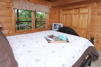 Night Lights Gatlinburg Cabin Rental