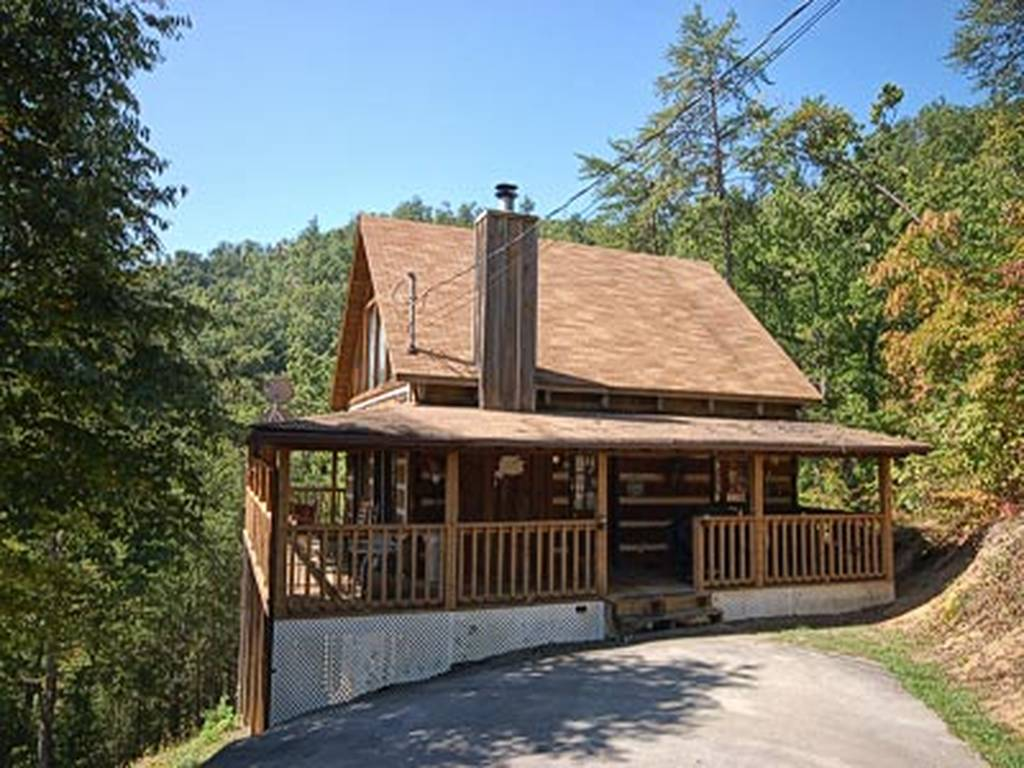 2 Bedroom Log Cabin