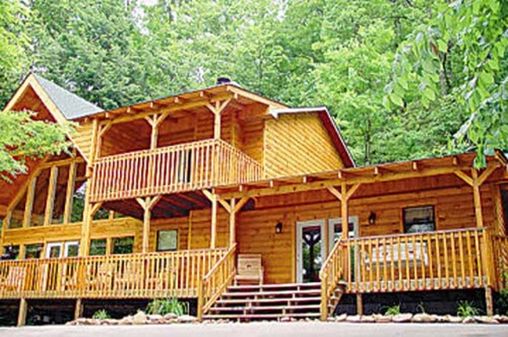 Big bear retreat 3 bedroom vacation cabin rental in pigeon for Large cabin rentals in tennessee