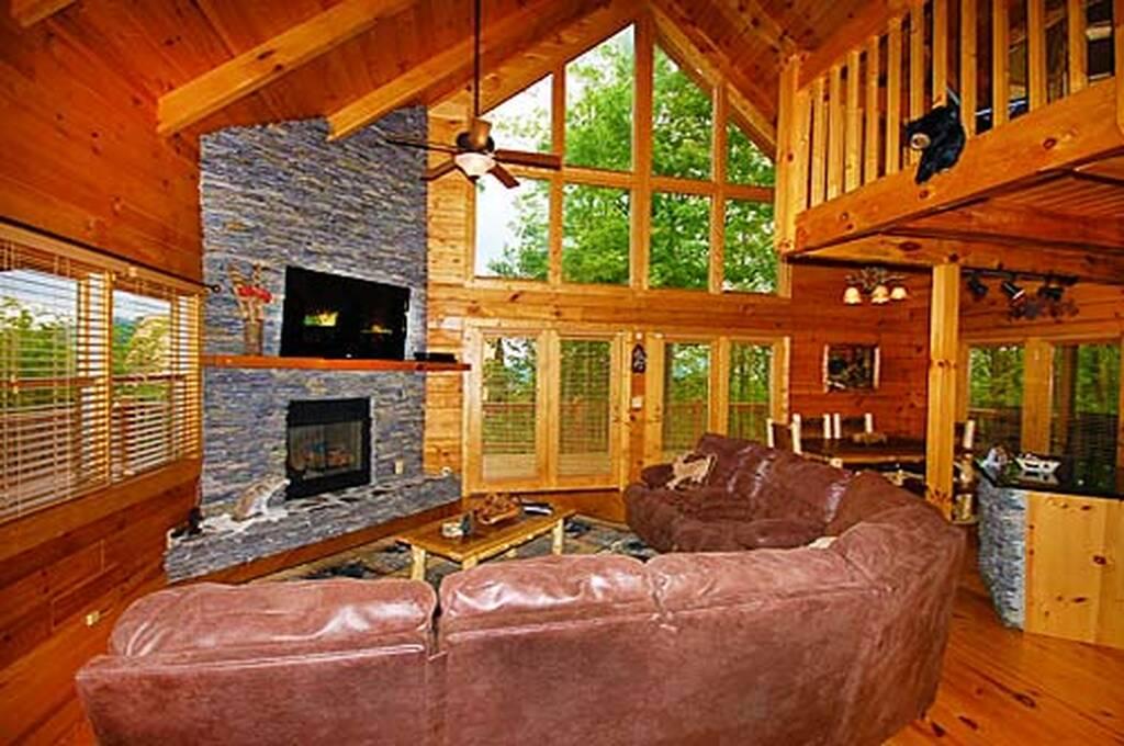 Black Bear Lodge 4 Bedroom Vacation Cabin Rental In Pigeon