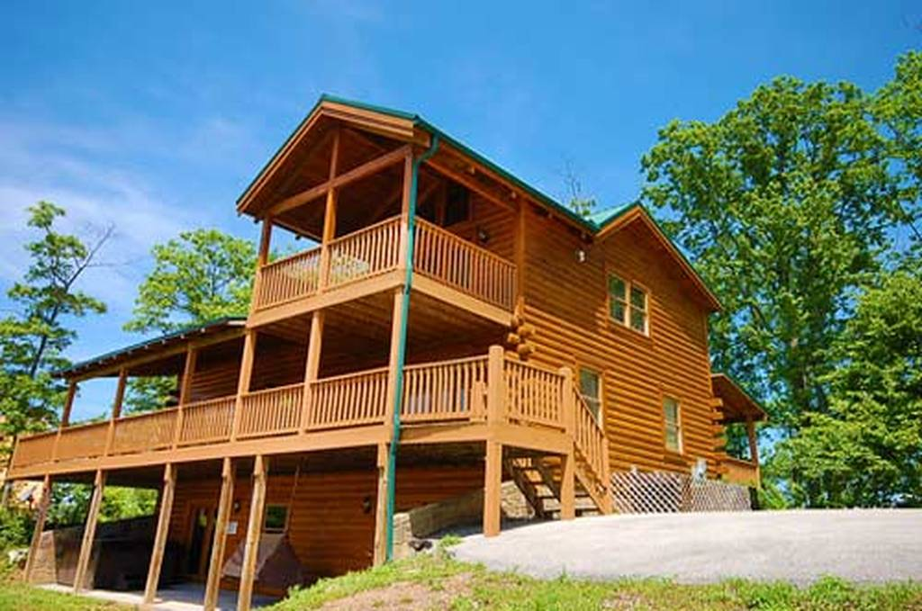 black bear lodge 4 bedroom vacation cabin rental in pigeon
