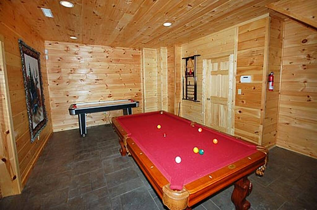 Large lower game room w/Air Hockey and Pool Table
