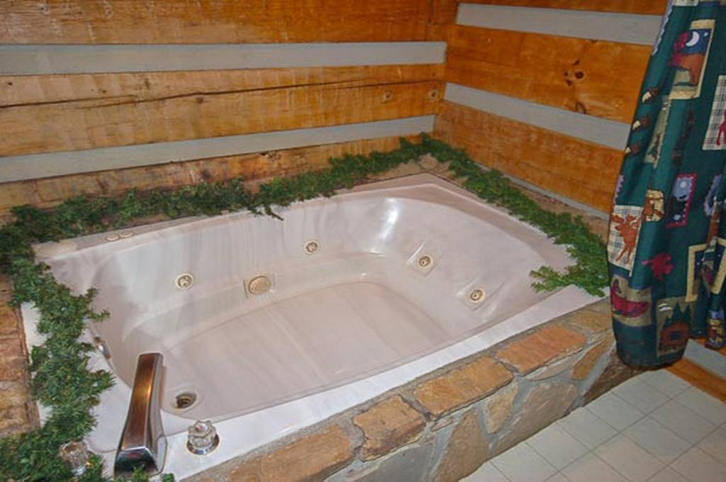 Romantic Evenings in the Indoor Jacuzzi