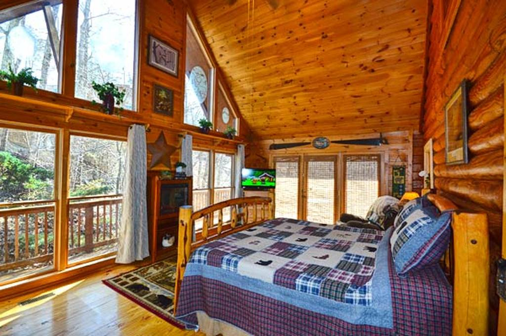 Bear Mountain Hideaway 3 Bedroom Vacation Cabin Rental In