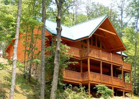 BEARLY BELIEVABLE 5 Bedroom Cabin Rental