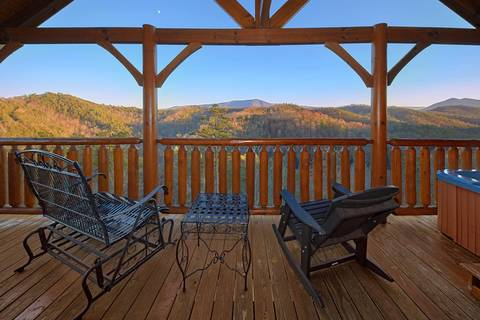 A VIEW TO THRILL  2 Bedroom Cabin Rental