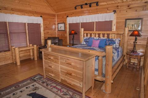 A PIECE OF HEAVEN Cabin Rental