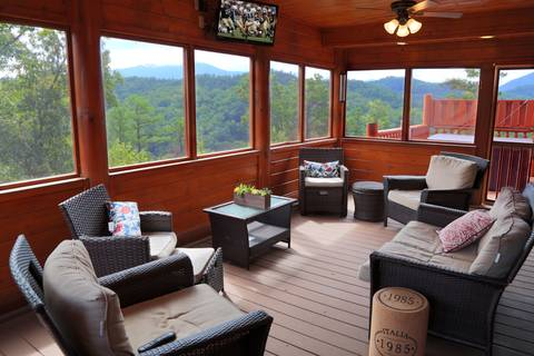 BEAR TRAIL LODGE Cabin Rental
