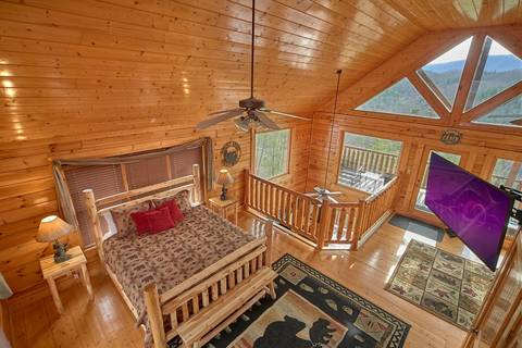 A VIEW TO THRILL  Cabin Rental