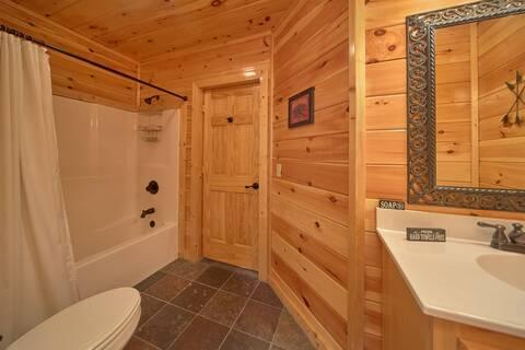 TOP NOTCH LODGE Cabin Rental