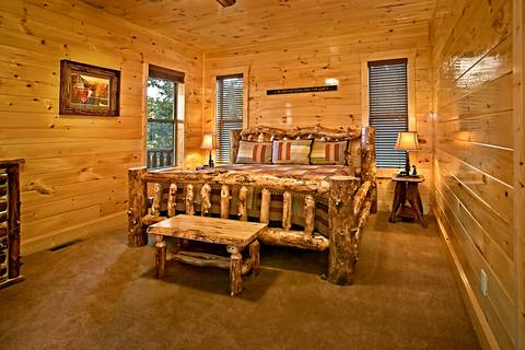 THE BIG MOOSE LODGE Cabin Rental