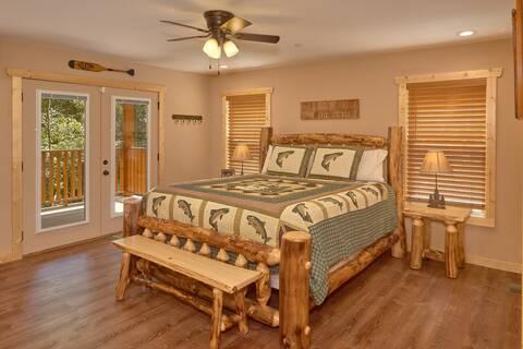 HEMLOCK HIDEAWAY LODGE Cabin Rental