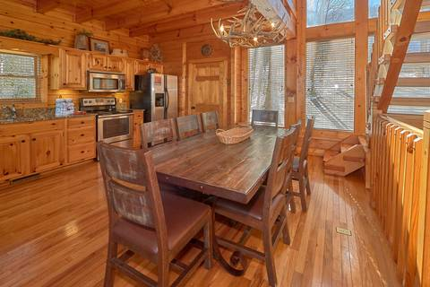 MAJESTIC MEMORIES Cabin Rental