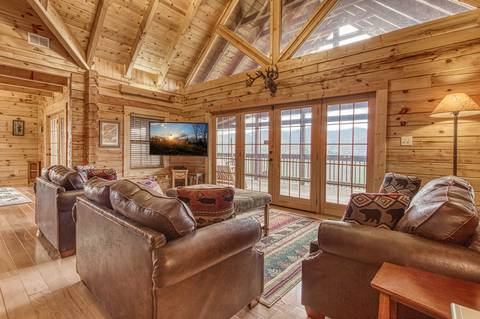 MOUNTAIN TOP MANSION Cabin Rental