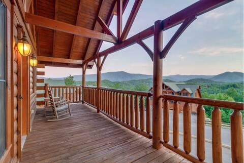 A RUSTIC RETREAT 2 Bedroom Cabin Rental