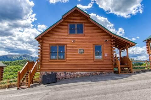 MYSTIC SUNRISE 2 Bedroom Cabin Rental