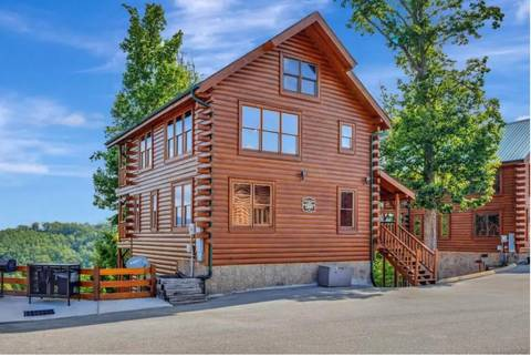 TENNESSEE DREAMIN' 3 Bedroom Cabin Rental