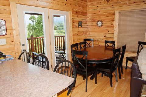 BLACK BEAR RIDGE Cabin Rental