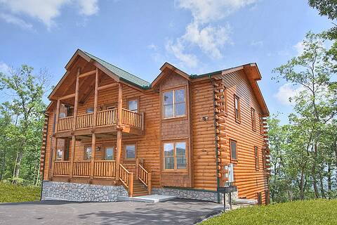 AMAZING VIEW MANOR (formerly dream view) 12 Bedroom Cabin Rental