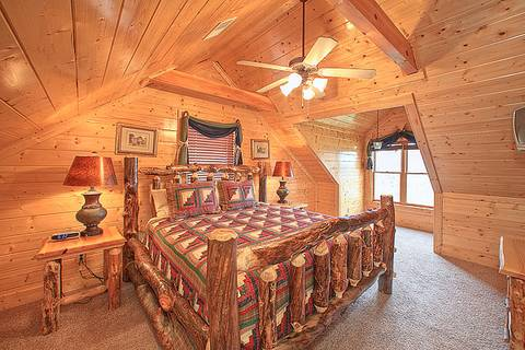 PARKSIDE PALACE Cabin Rental