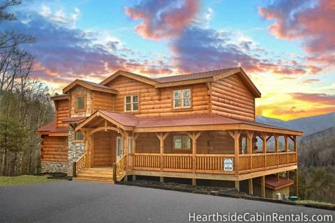 4 bedroom sleeps 16 cooper 39 s cove by large cabin rentals for Large cabins to rent in gatlinburg tn